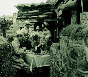 L'alimentation des villes en période de guerre... dans 1-Billet officiers-francais-dejeunant-1ere-guerre-mondiale-300x263